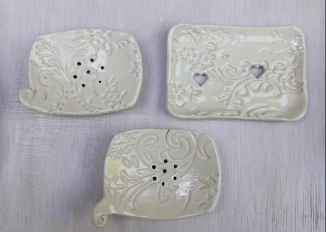 Kerámia szappantartó öblös és dupla fehér